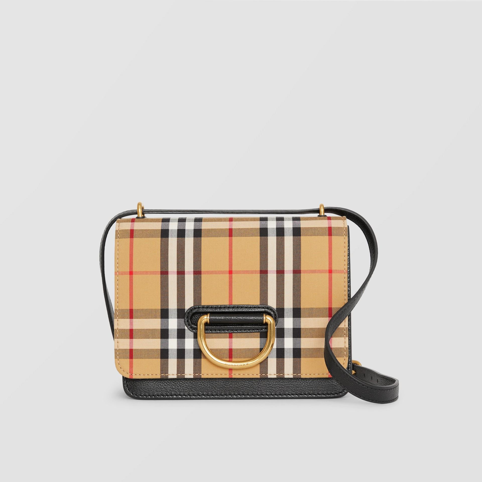 Bolso D-ring pequeño en tejido de Vintage Checks y piel (Negro / Amarillo Envejecido) - Mujer | Burberry - imagen de la galería 0