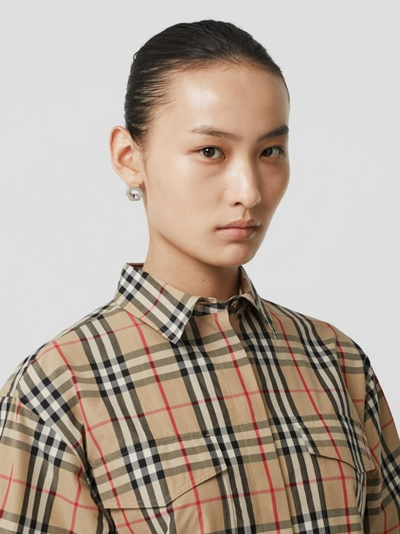 Short-sleeve Vintage Check Cotton Oversized Shirt in Archive Beige - Women | Burberry Canada - cell image 1