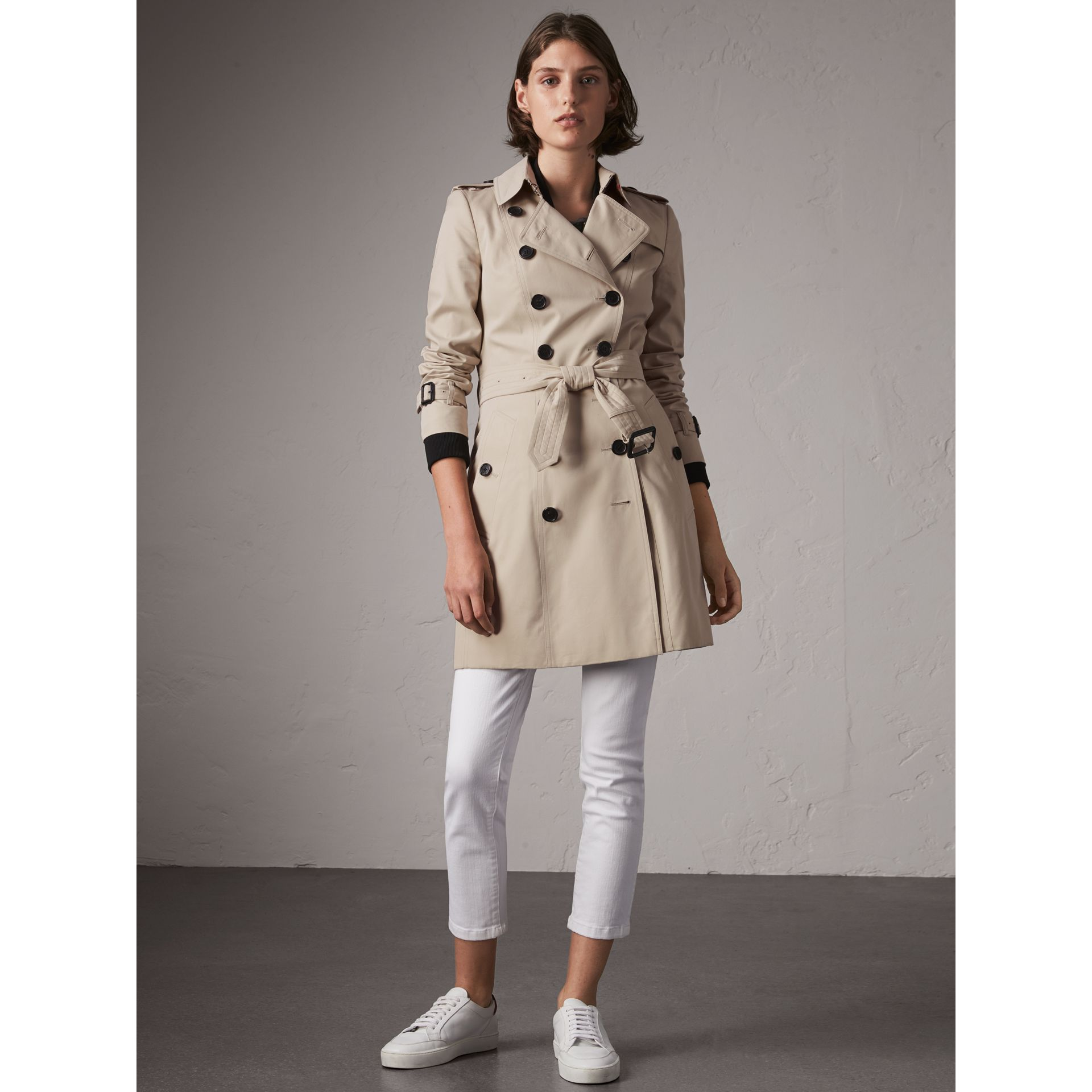 The Chelsea – Mid-length Heritage Trench Coat in Stone - Women | Burberry - gallery image 7
