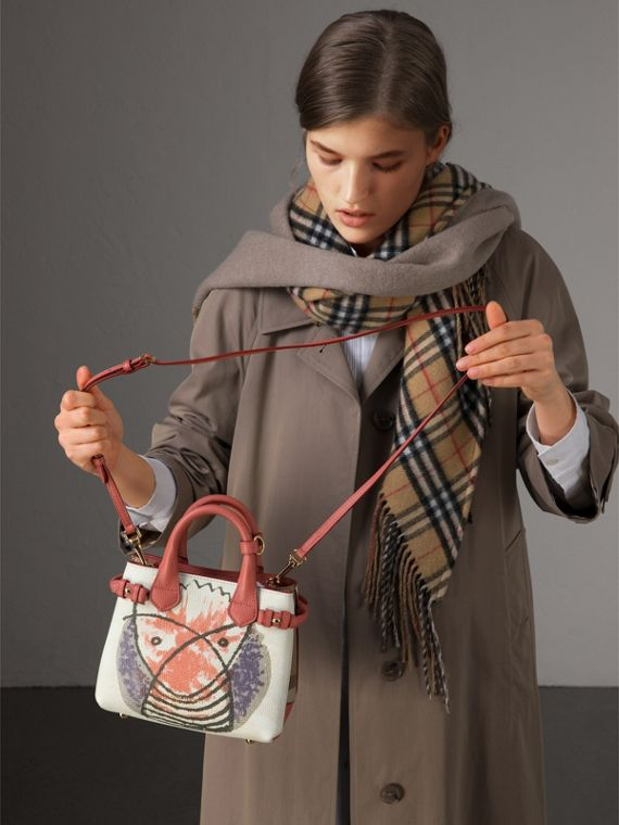 The Baby Banner in pelle con stampa Pallas Heads (Rosso Cannella) - Donna | Burberry - cell image 2