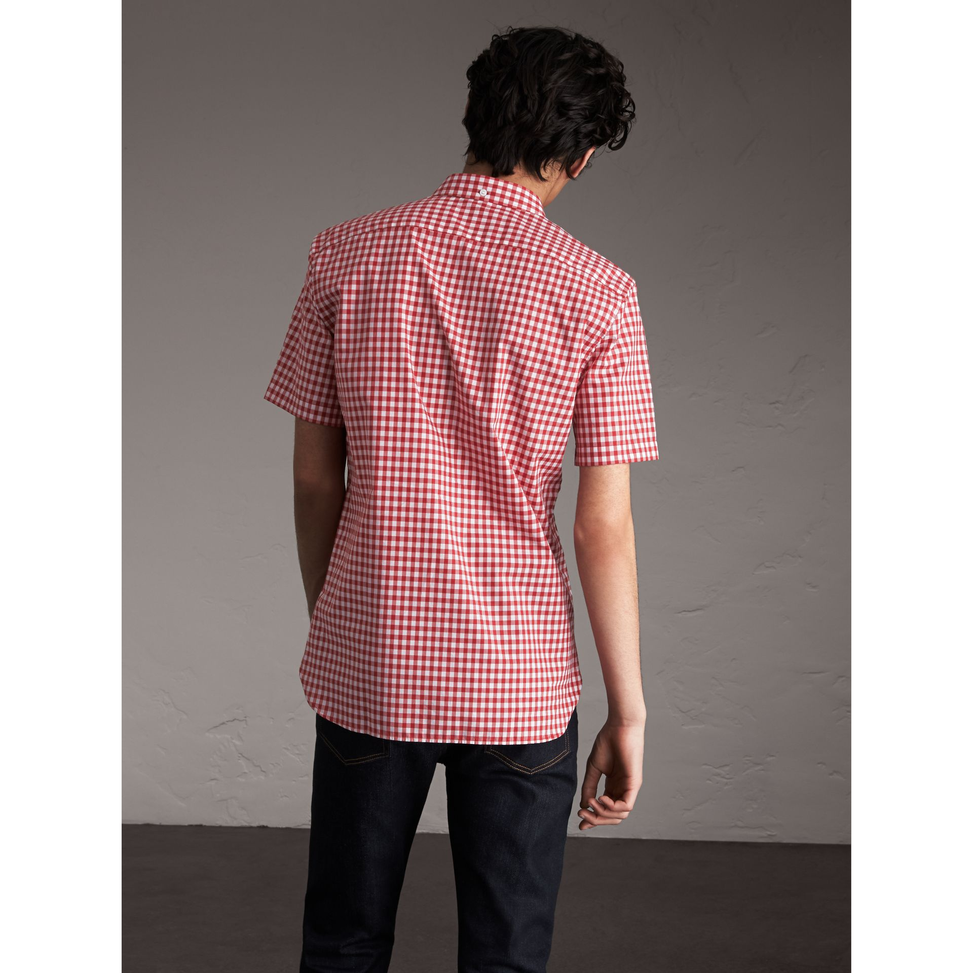 Short-sleeve Button-down Collar Cotton Gingham Shirt in Parade Red - Men | Burberry United States - gallery image 2