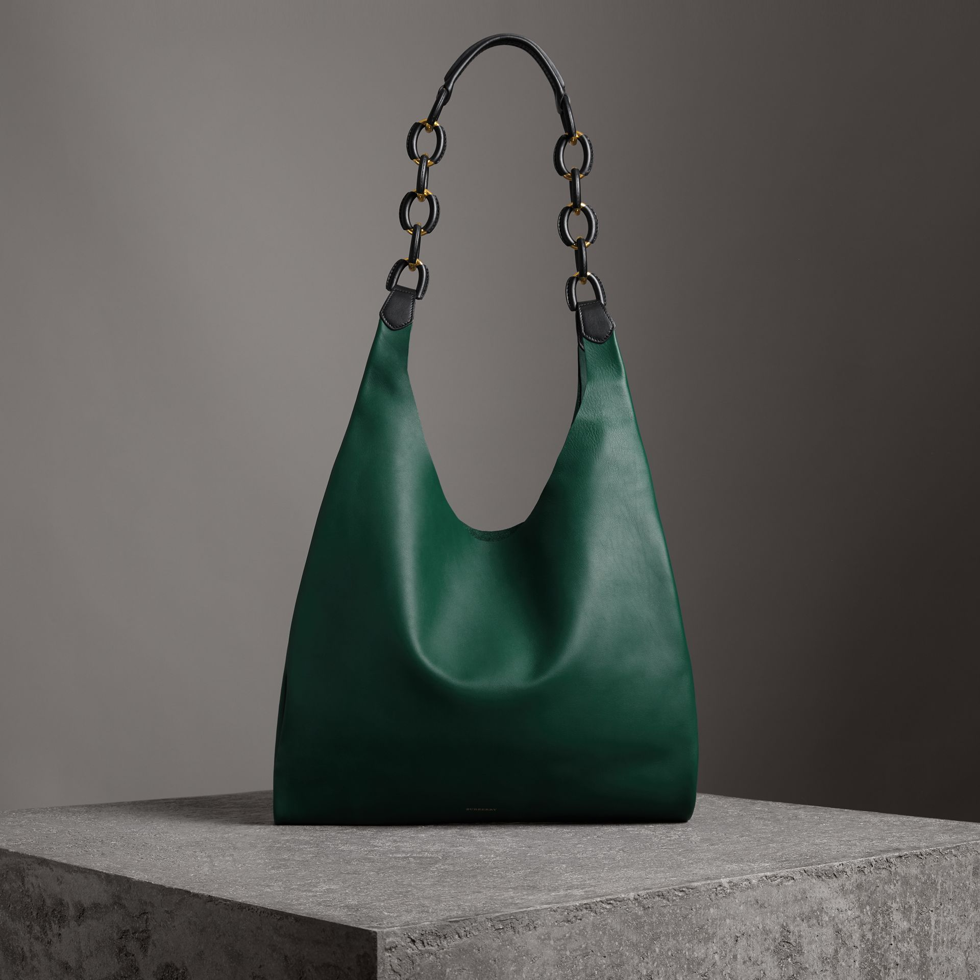 Medium Two-tone Leather Shopper in Racing Green - Women | Burberry - gallery image 0