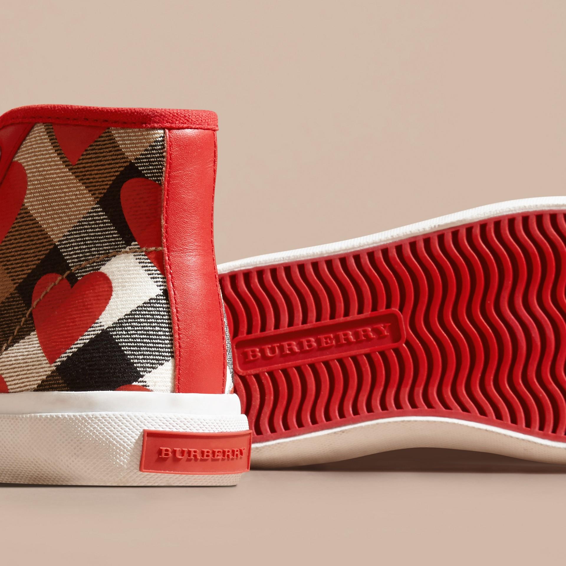 Rosso militare Sneaker alte con motivo check, stampa a pois e finiture in pelle Rosso Militare - immagine della galleria 2