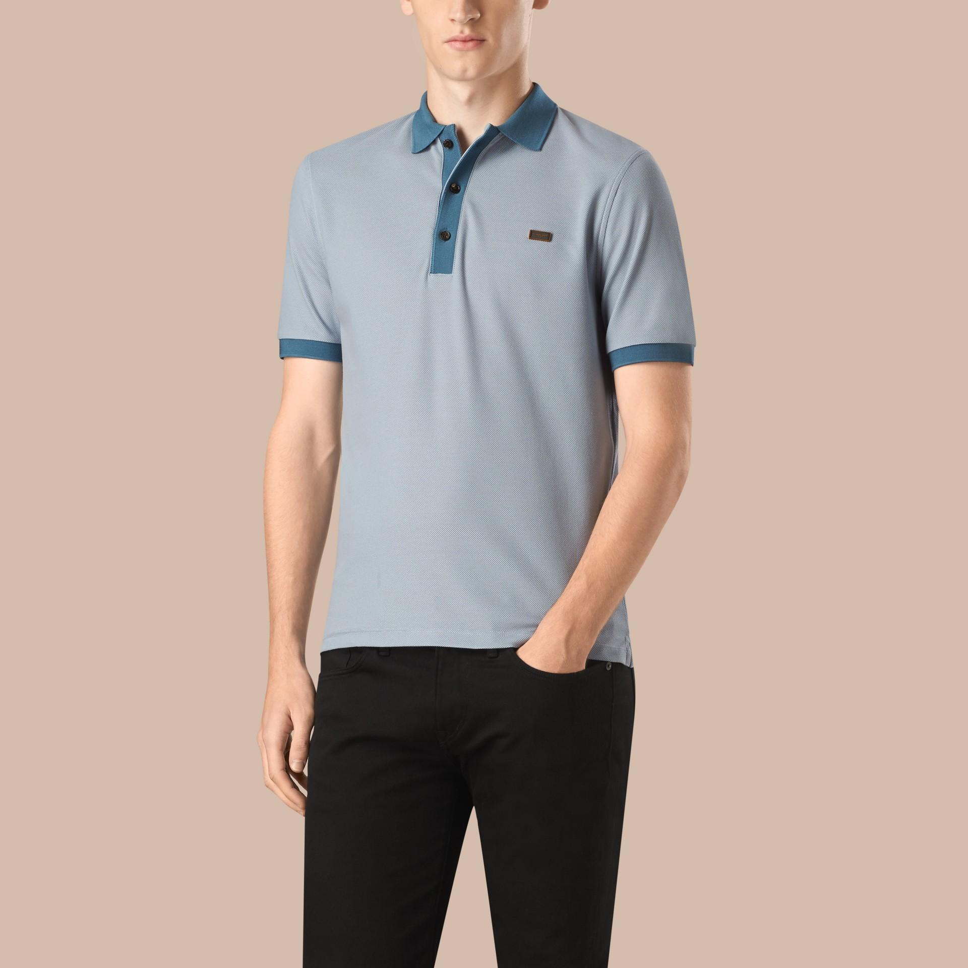 Helles himmelblau/lupinenblau Poloshirt aus mercerisiertem Baumwollpiqué Helles Himmelblau/lupinenblau - Galerie-Bild 1