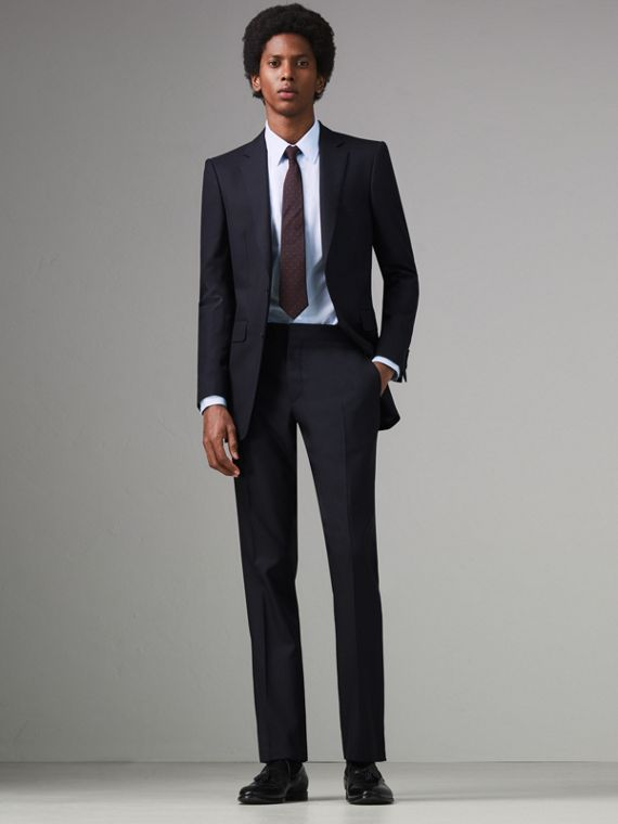 Modern Fit Wool Twill Suit in Navy