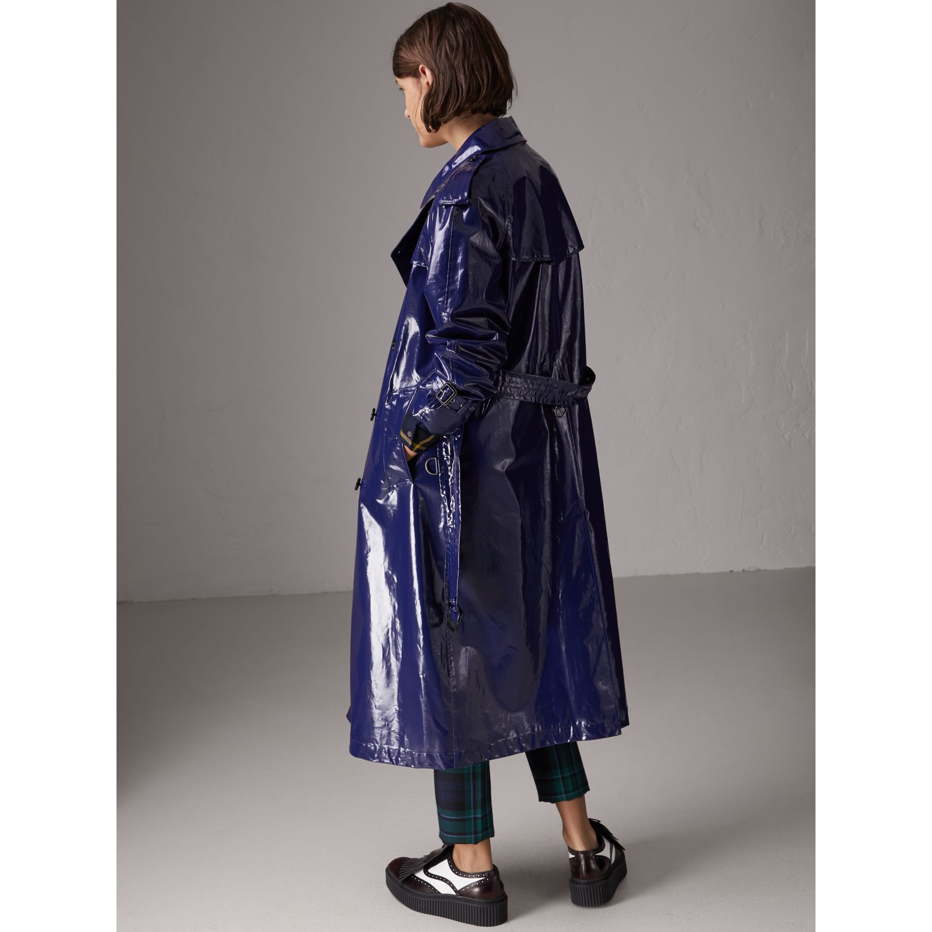 Laminated Cotton Trench Coat in Navy - Women | Burberry - gallery image 3