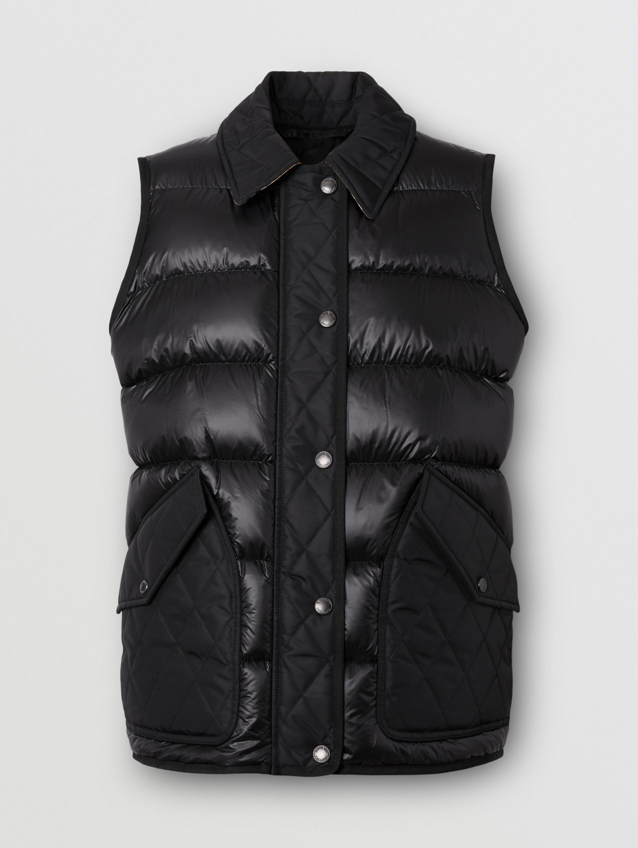 Diamond Quilted Panel Puffer Gilet in Black