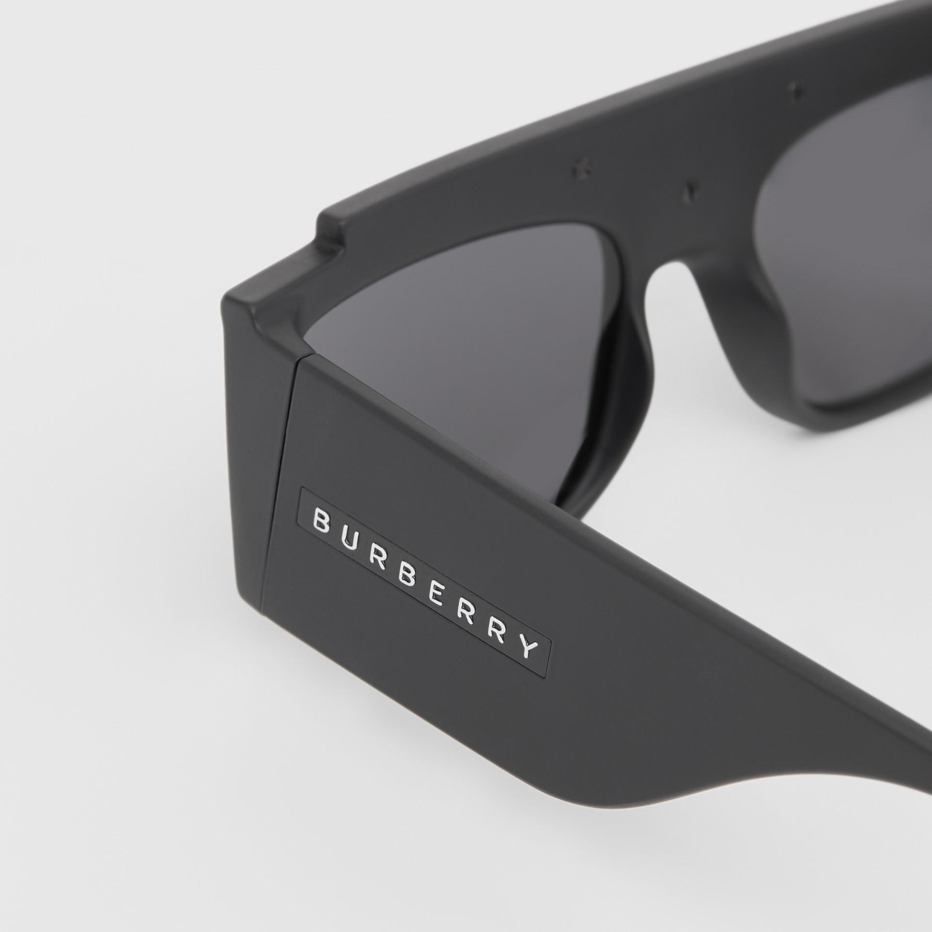 Rectangular Frame Sunglasses in Black - Women | Burberry - gallery image 1