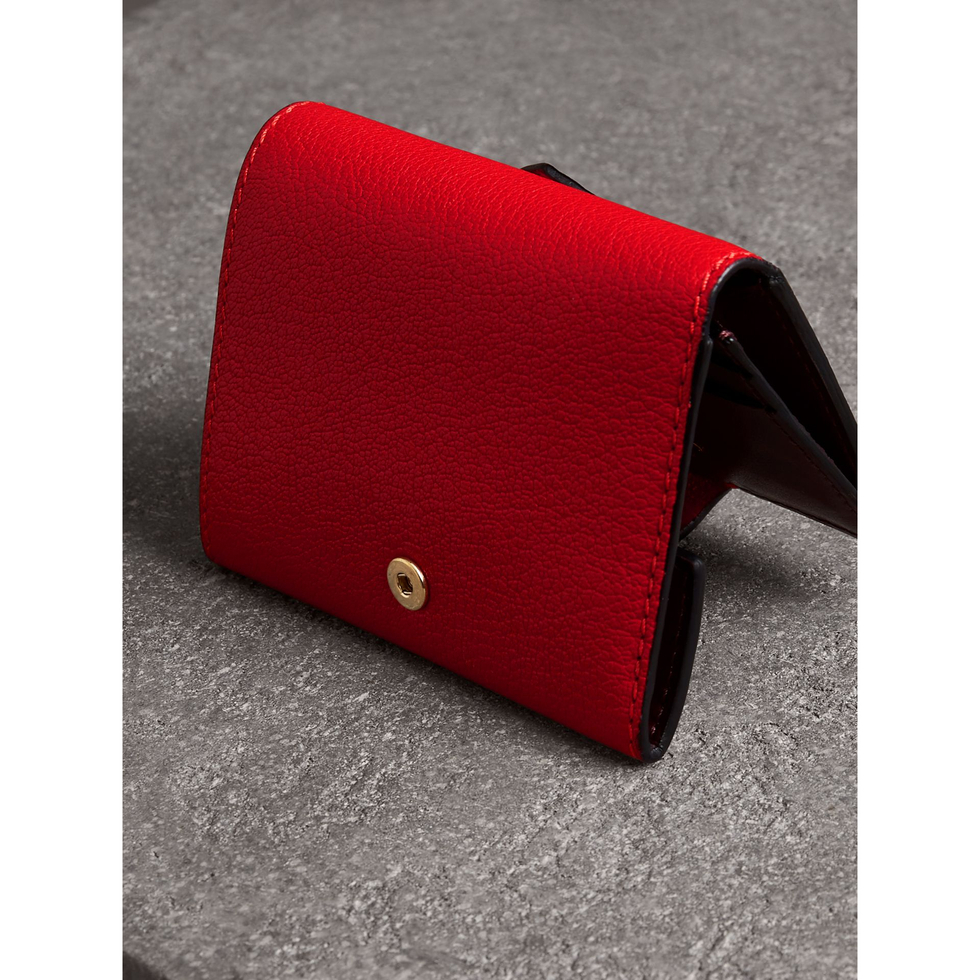 Equestrian Shield Two-tone Leather Folding Wallet in Bright Red - Women | Burberry United Kingdom - gallery image 2