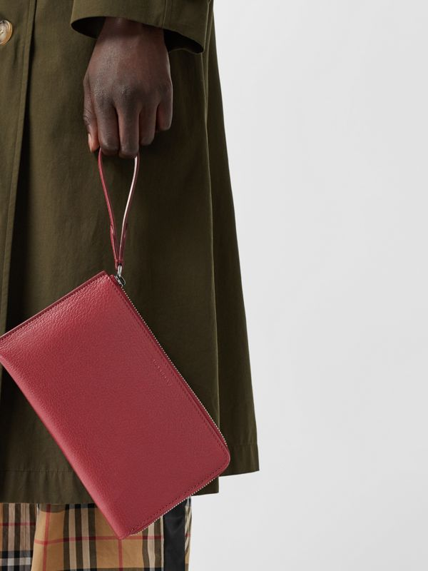 Two-tone Grainy Leather Travel Wallet in Crimson - Women | Burberry - cell image 3