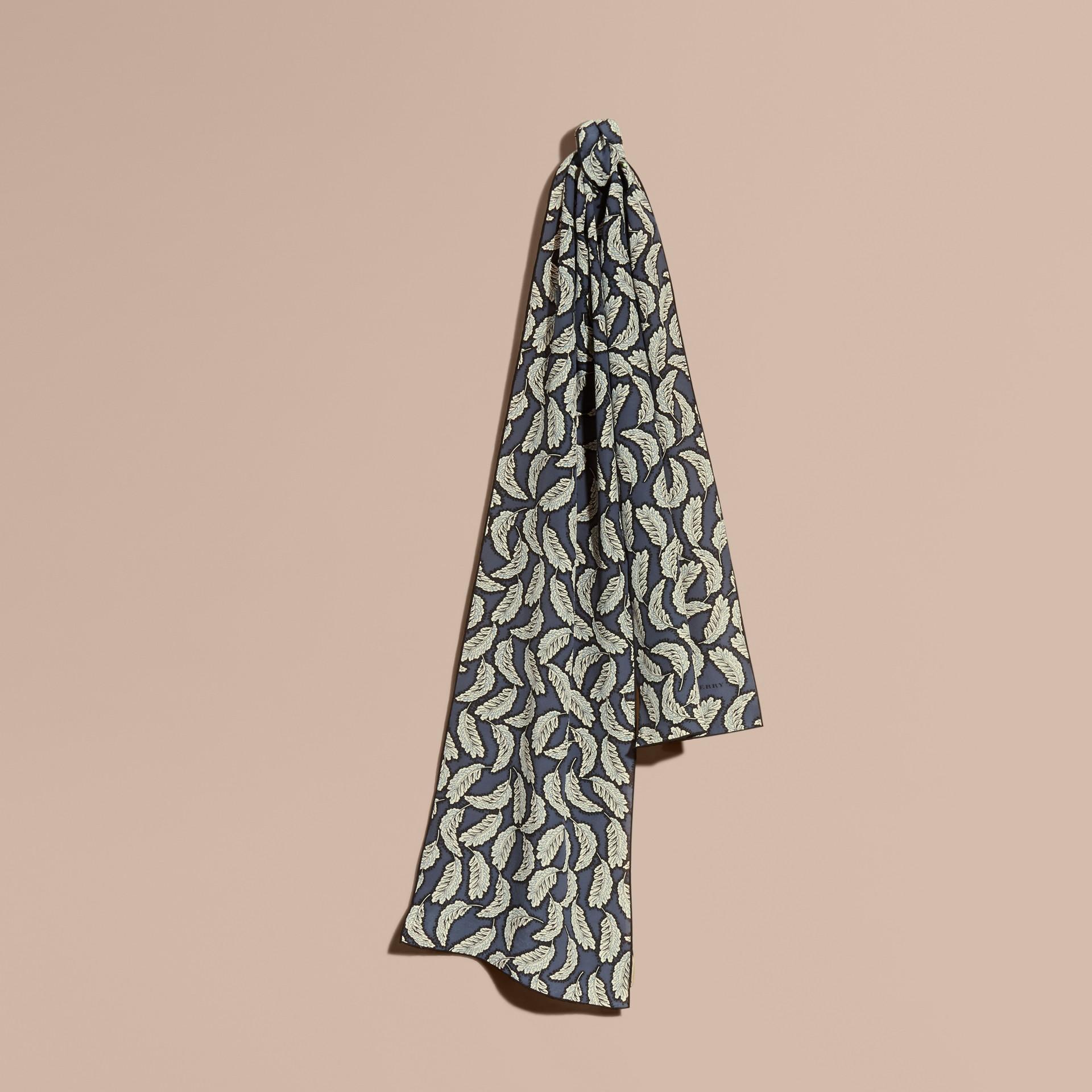 Steinblau Seidenschal mit Blättermotiv Steinblau - Galerie-Bild 1