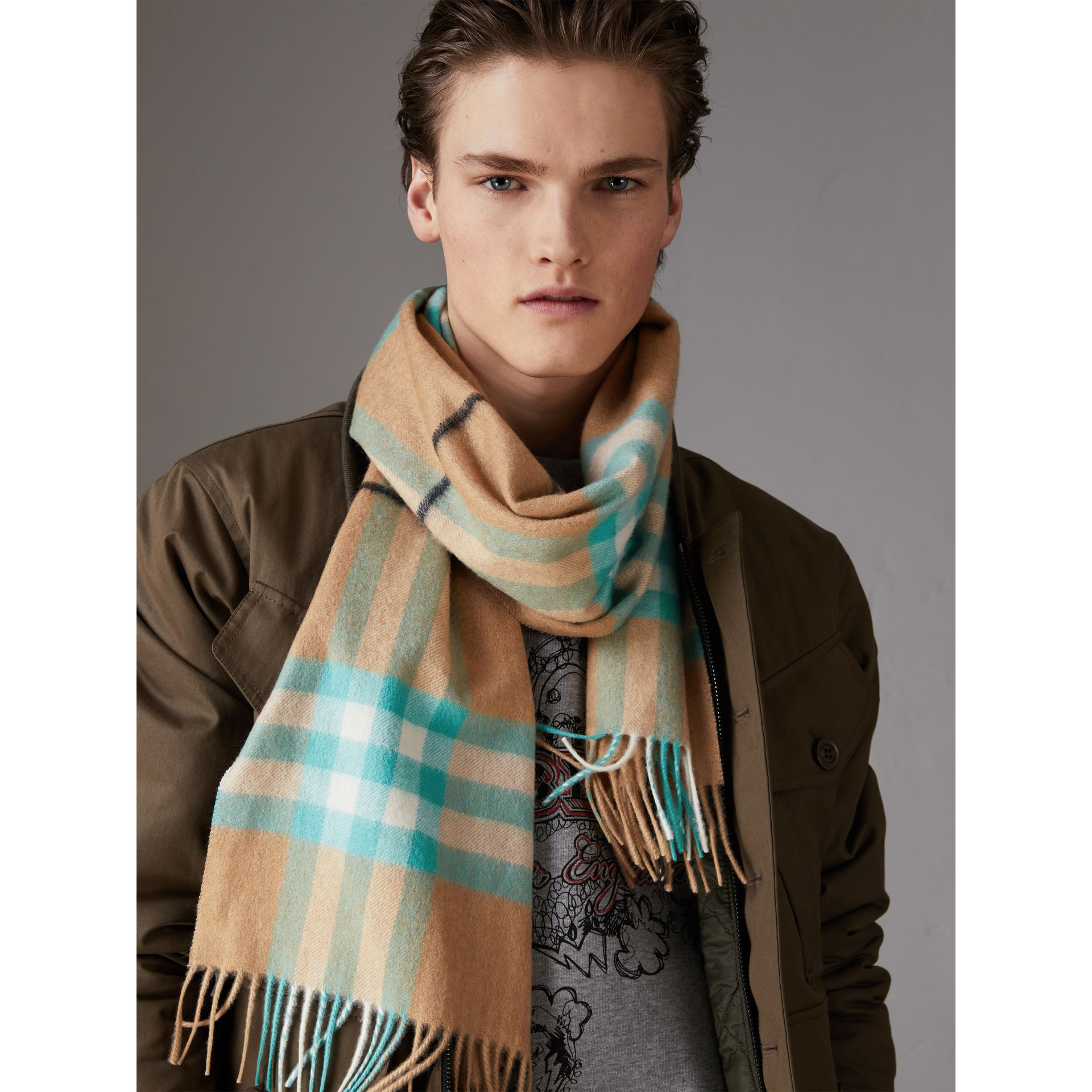 Check Cashmere Scarf in Bright Aqua | Burberry Hong Kong - gallery image 5