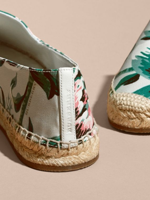 Peony Rose Print Canvas Espadrilles Emerald Green - cell image 3
