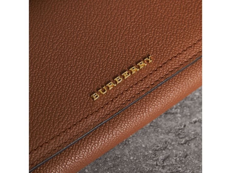 Two-tone Leather Continental Wallet and Coin Case in Bright Toffee/ Multi - Women | Burberry - cell image 4