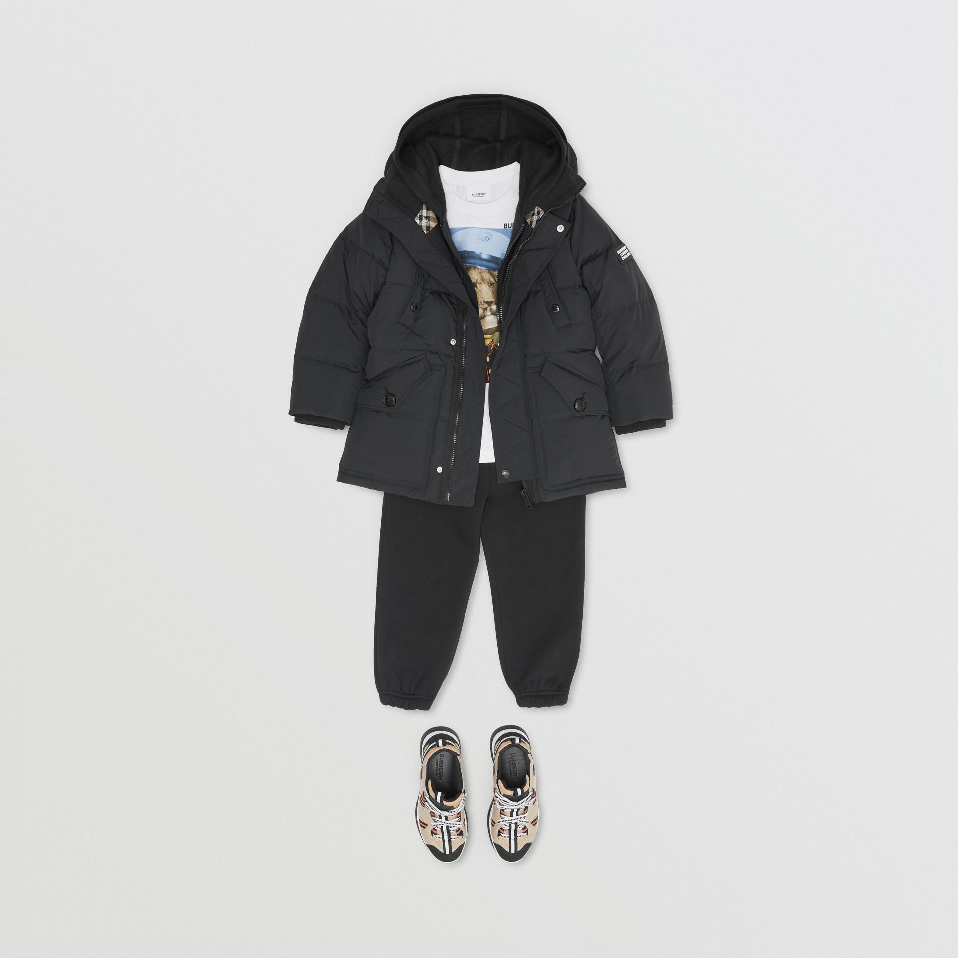 Пальто на пуху со съемным капюшоном (Черный) | Burberry - изображение 2