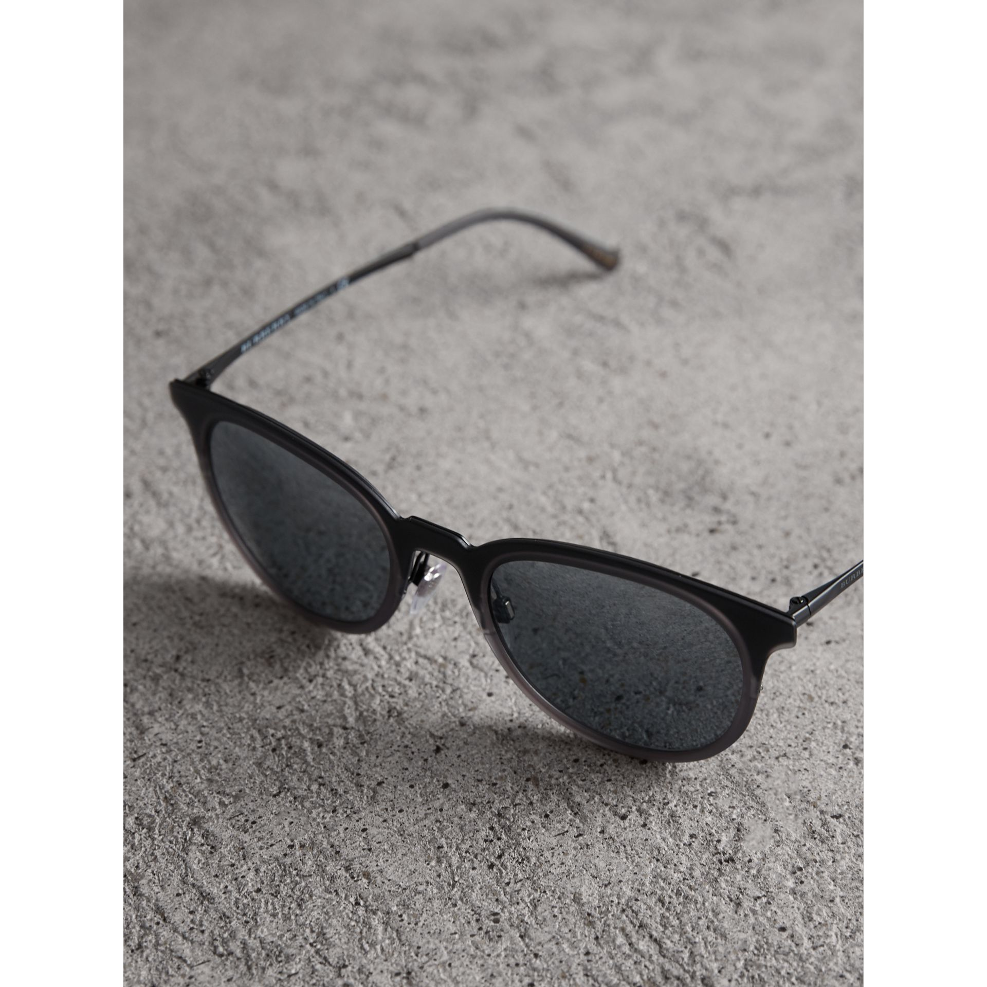 Round Frame Sunglasses in Grey - Men | Burberry Canada - gallery image 2