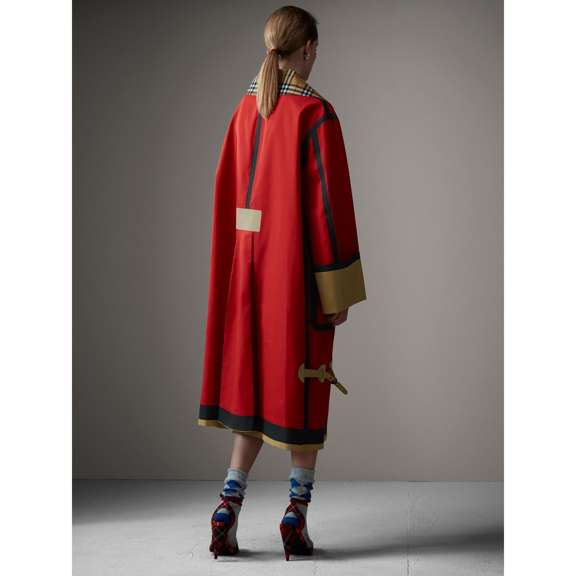 Bonded Cotton Oversized Seam-sealed Car Coat in Red/beige - Women | Burberry United Kingdom - gallery image 2