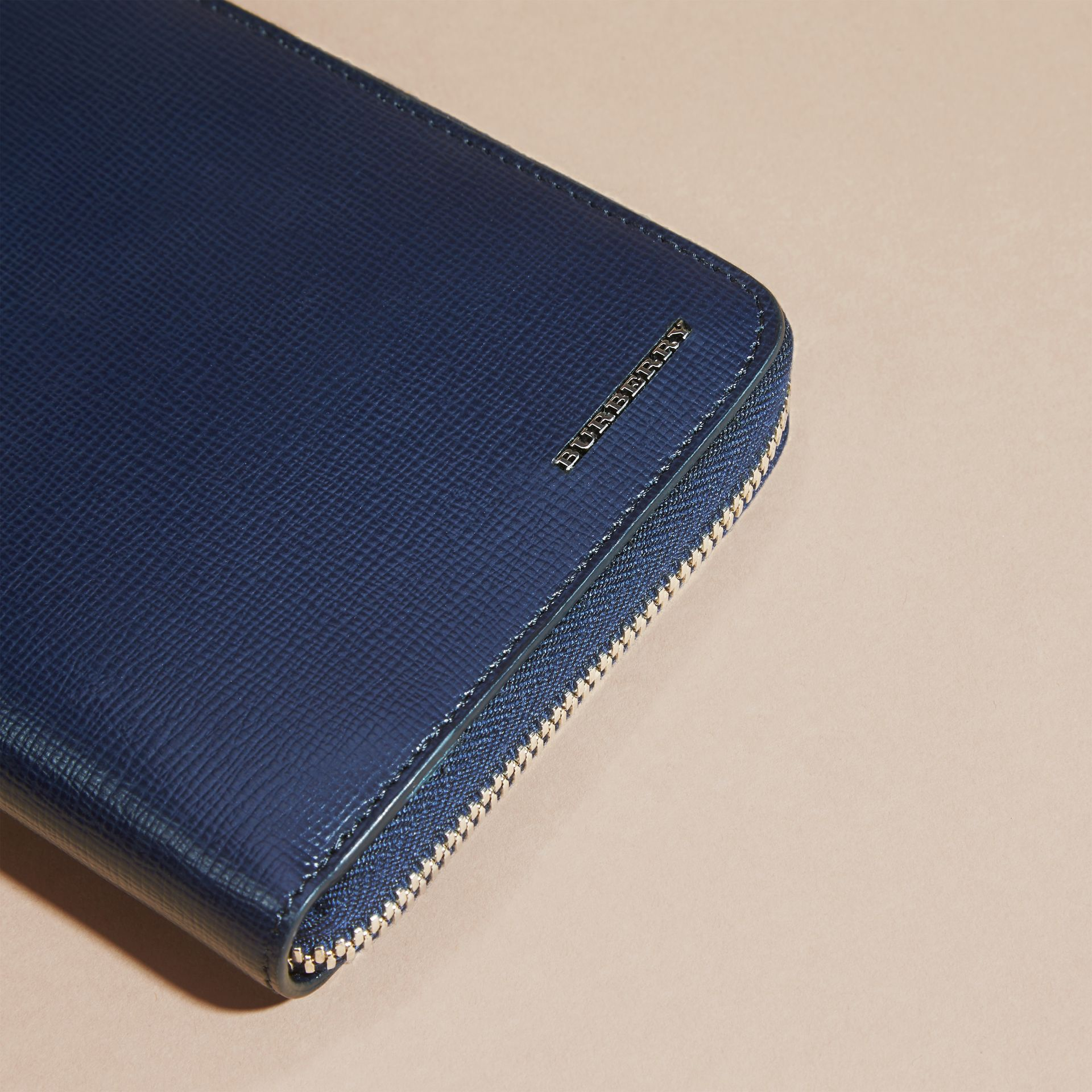 London Leather Ziparound Wallet in Dark Navy | Burberry Australia - gallery image 4