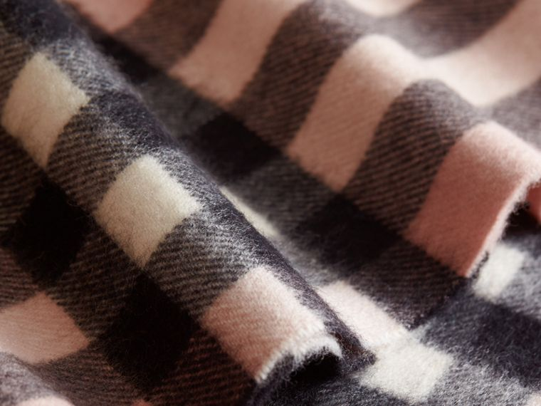 Exploded Check Cashmere Snood Rose - cell image 1