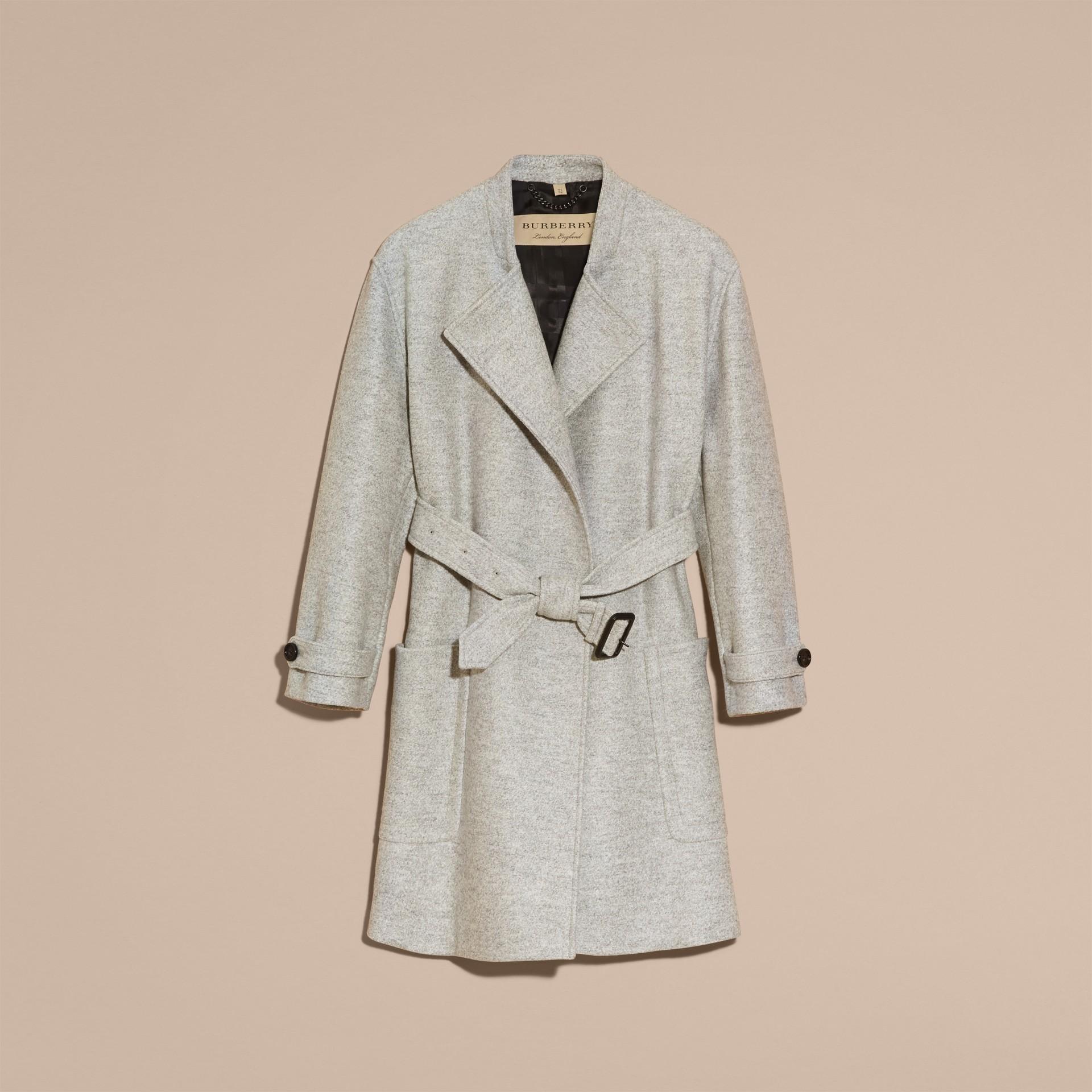 Grigio pallido mélange Cappotto a vestaglia in lana con cintura - immagine della galleria 4