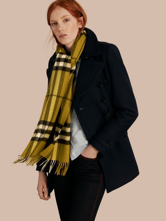 The Classic Cashmere Scarf in Check in Dark Lime - cell image 2