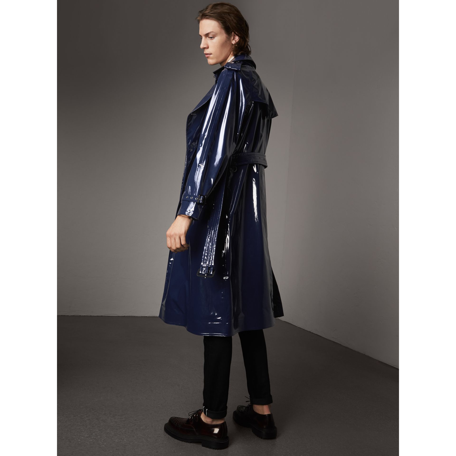 Laminated Cotton Trench Coat in Navy - Men | Burberry - gallery image 2