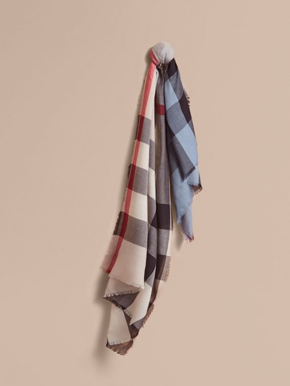 The Lightweight Cashmere Scarf in Ombré Check Pale Bluebell