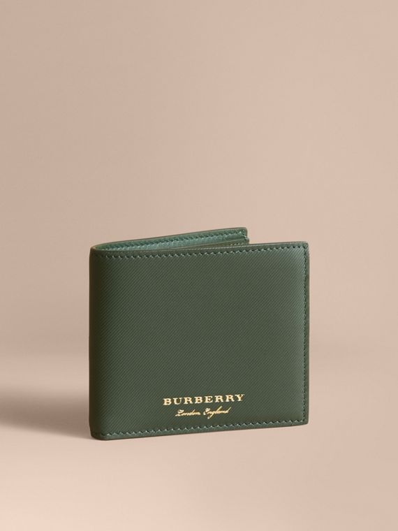 Trench Leather International Bifold Wallet in Dark Forest Green - Men | Burberry Canada