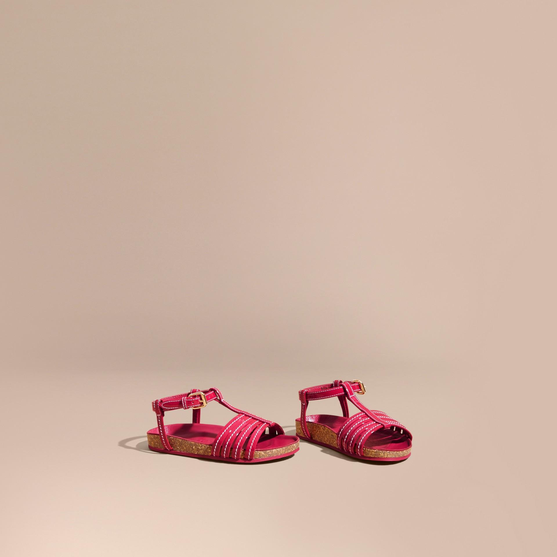 Sandales en cuir verni avec plateforme en liège | Burberry - photo de la galerie 1