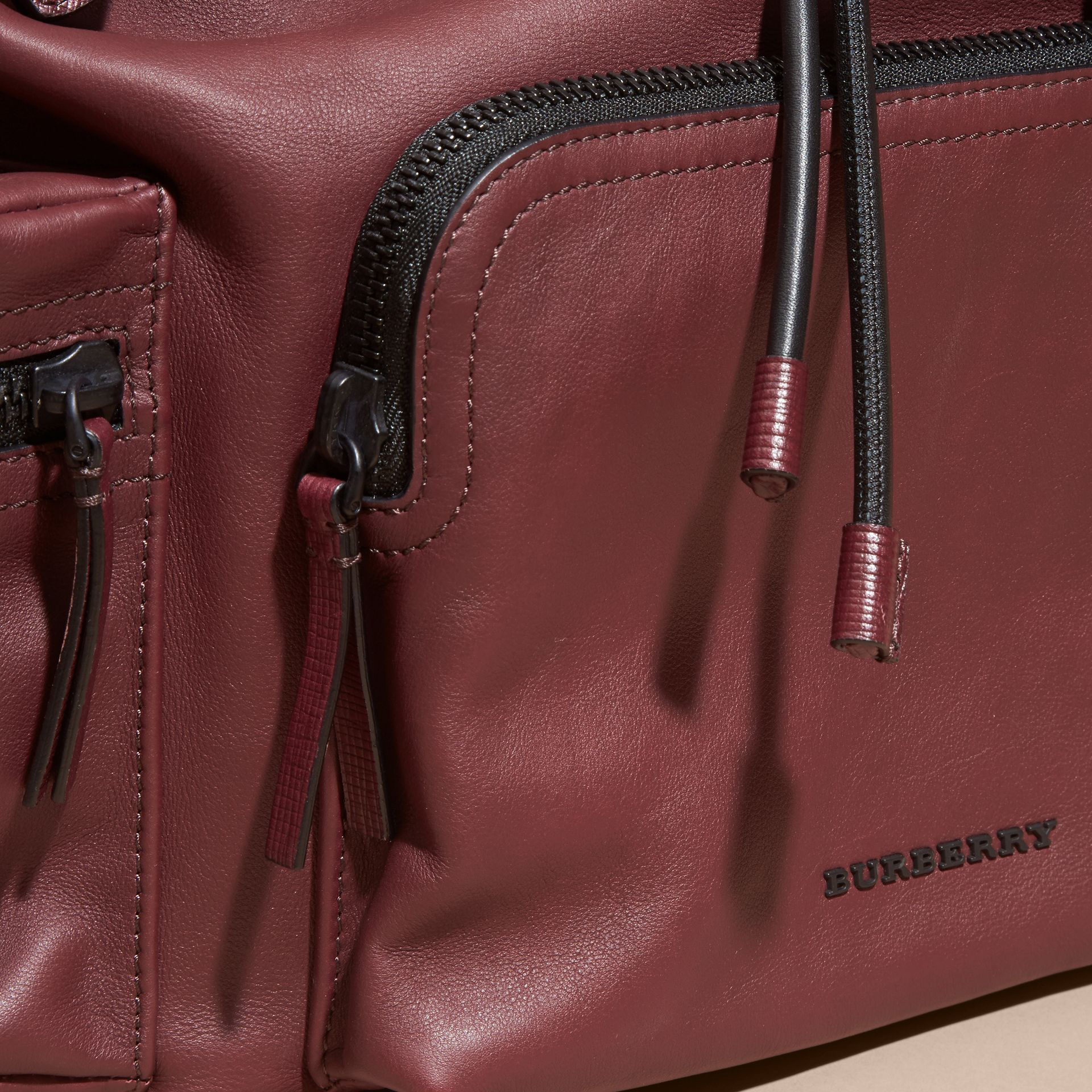 The Large Rucksack in Water-repellent Leather Burgundy Red - gallery image 7