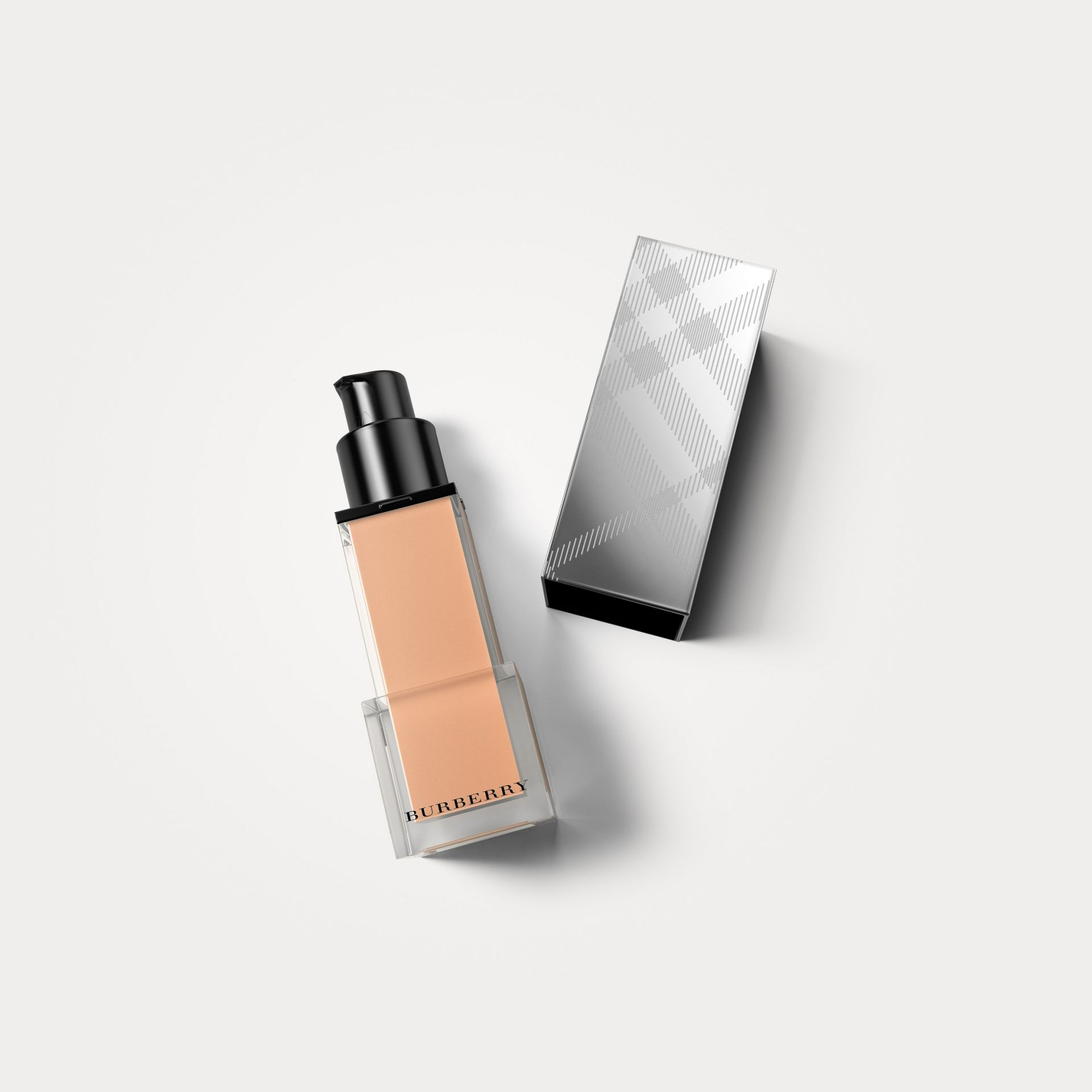 Rosy nude 31 Fresh Glow Foundation SPF 15 PA+++ – Rosy Nude No.31 - gallery image 1