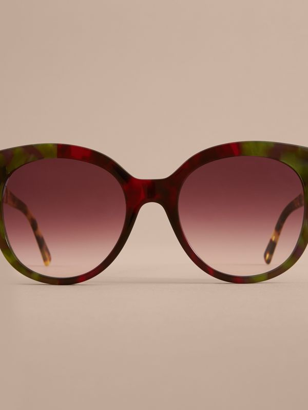 Buckle Detail Cat-eye Frame Sunglasses in Cardinal Red - Women | Burberry Canada - cell image 2