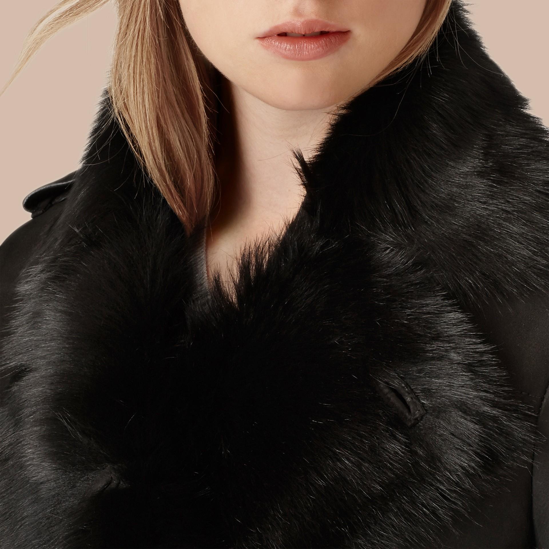 Noir Trench-coat en shearling Noir - photo de la galerie 2