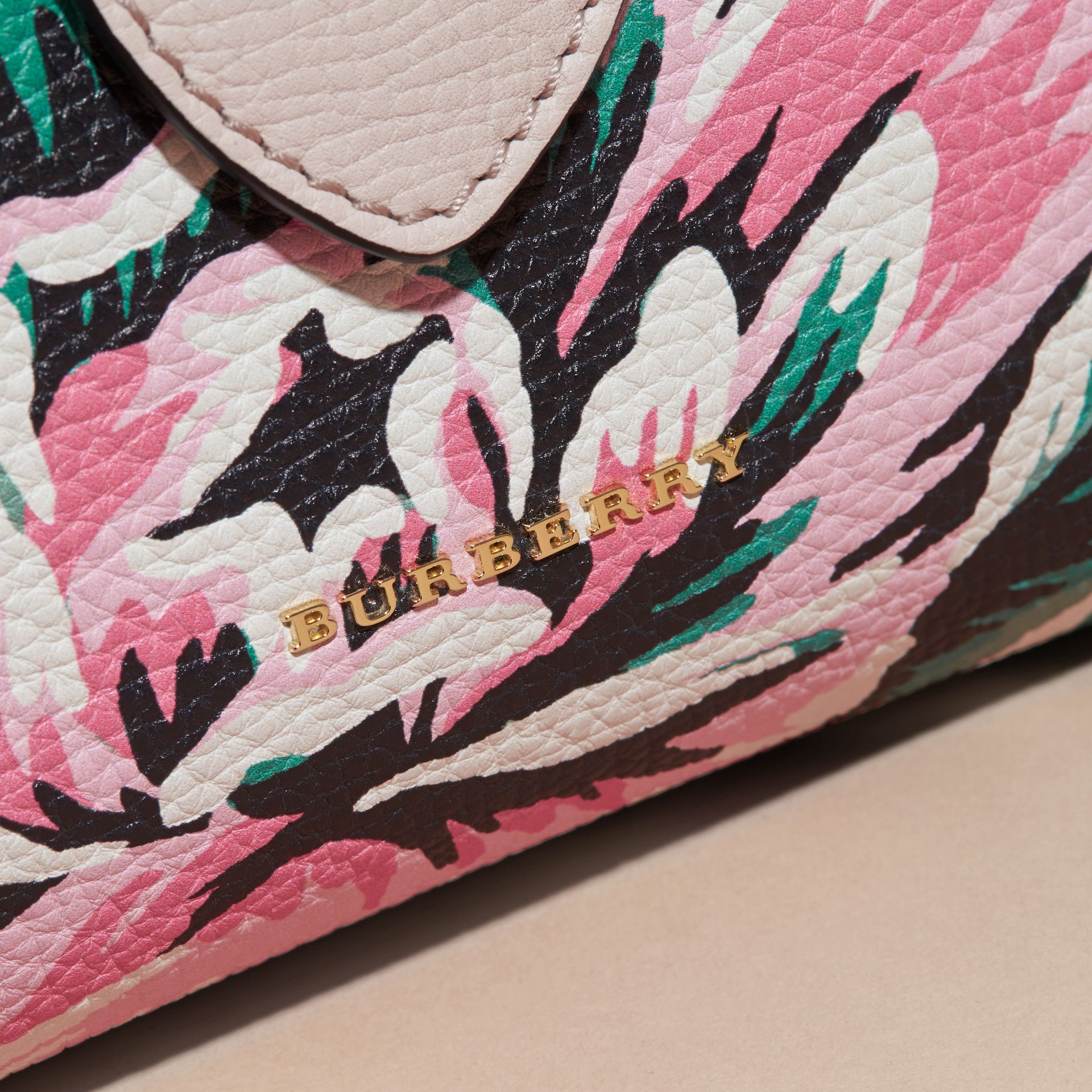 The Medium Buckle Tote in Peony Rose Print Leather in Natural/emerald Green - gallery image 7