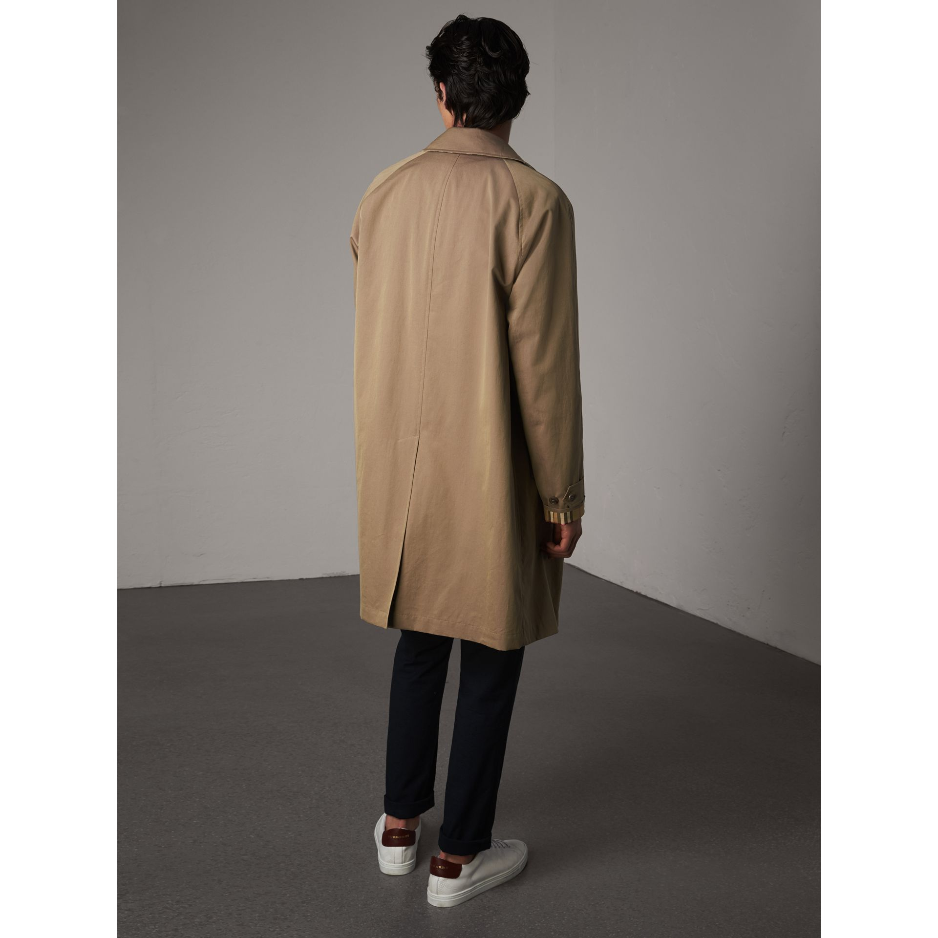 The Camden – Long Car Coat in Taupe Brown - Men | Burberry United Kingdom - gallery image 3