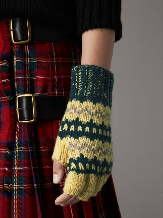 Fair Isle Cashmere Wool Blend Fingerless Gloves in Pine Green | Burberry - cell image 2