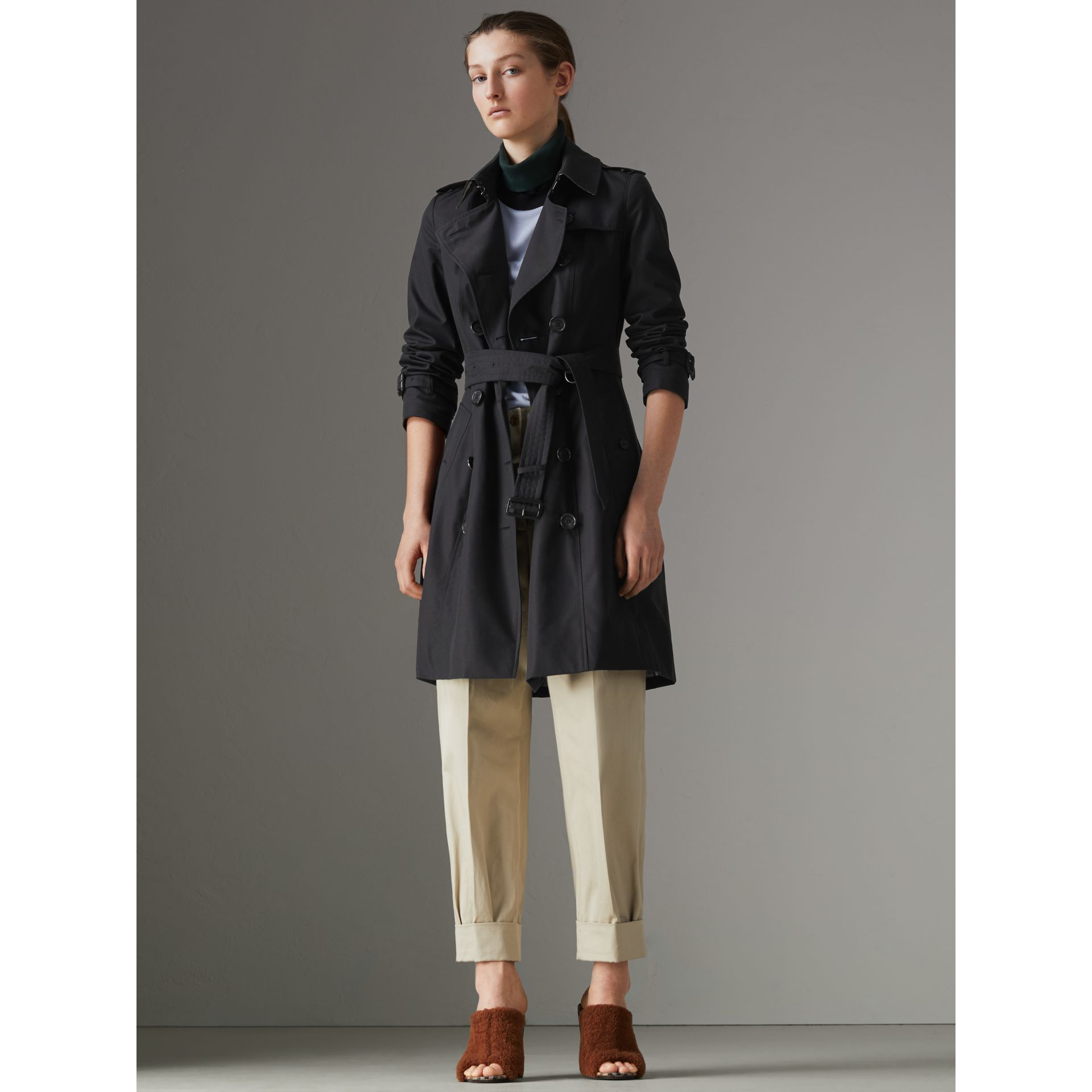 The Chelsea – Trench Heritage (Minuit) - Femme | Burberry Canada - photo de la galerie 7