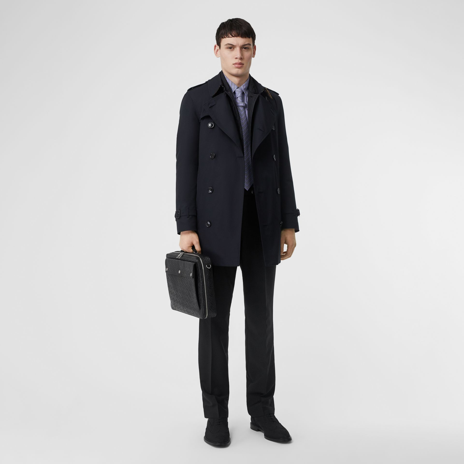 Short Chelsea Fit Trench Coat in Midnight - Men | Burberry - gallery image 0