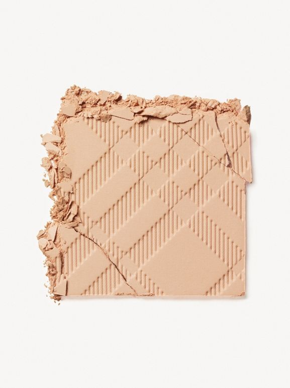 Компактная основа Fresh Glow Compact Foundation, Light Honey № 10 (№ 10) - Для женщин | Burberry - cell image 1