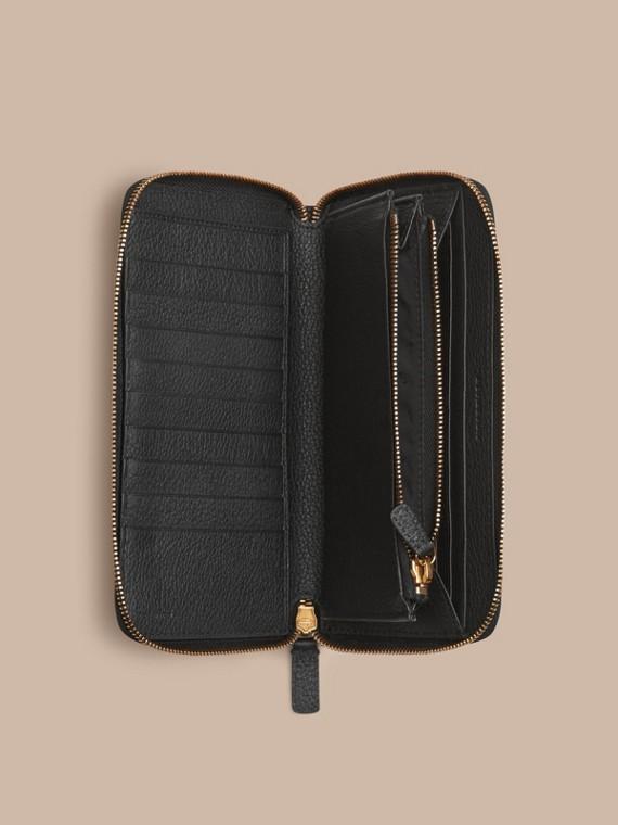 Noir Portefeuille à contour zippé en cuir à motif check estampé Noir - cell image 3
