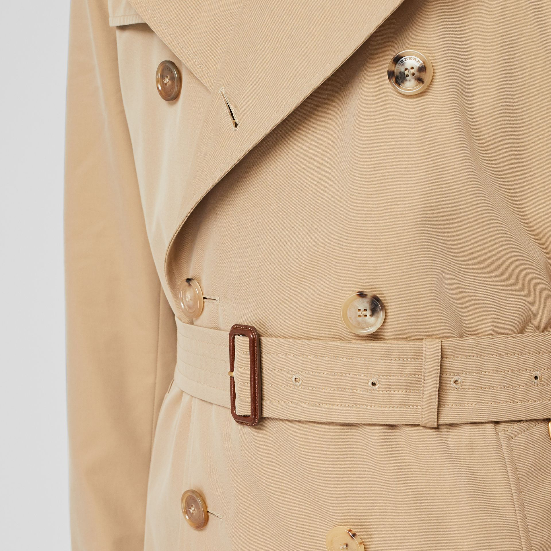 The Kensington Heritage Trench Coat in Honey - Men | Burberry Canada - gallery image 4