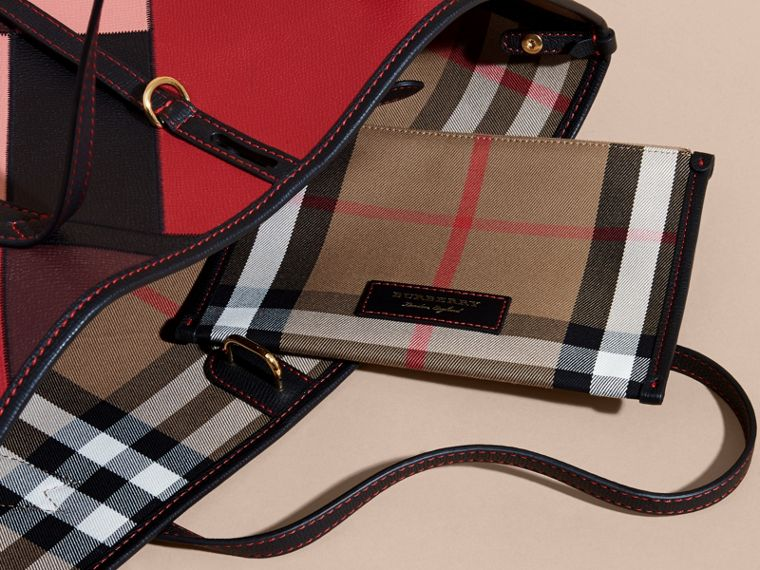 Medium Patchwork Grainy Leather Tote Bag in Pink - Women | Burberry Hong Kong - cell image 4