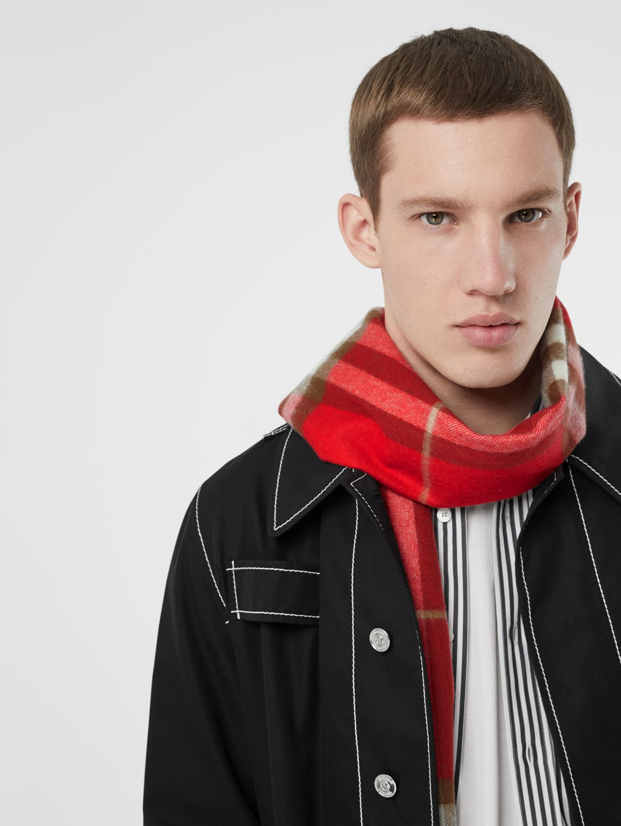 The Classic Check Cashmere Scarf (Red)