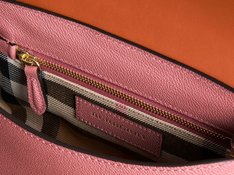 The Buckle Crossbody Bag in Trompe L'oeil Leather in Dusty Pink/bright Toffee - cell image 4