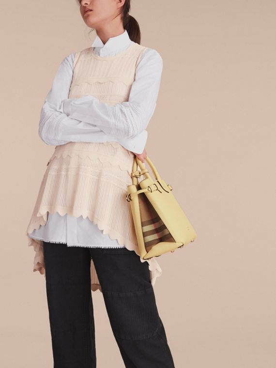 Sac The Banner medium en cuir et coton House check (Jaune Camomille) - Femme | Burberry - cell image 3
