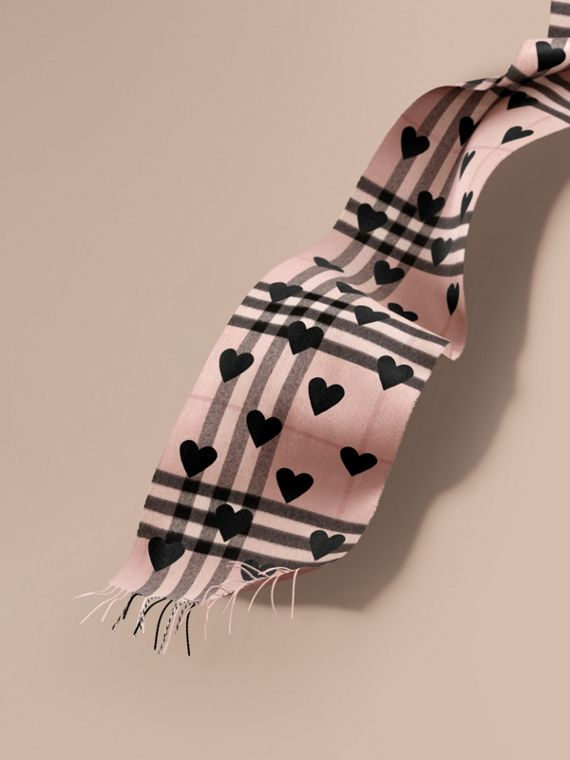 The Classic Cashmere Scarf in Check and Hearts Rose/black