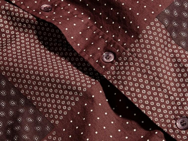 Dunkles holunderbeerfarben Baumwollhemd mit Patchworkmuster Dunkles Holunderbeerfarben - cell image 1