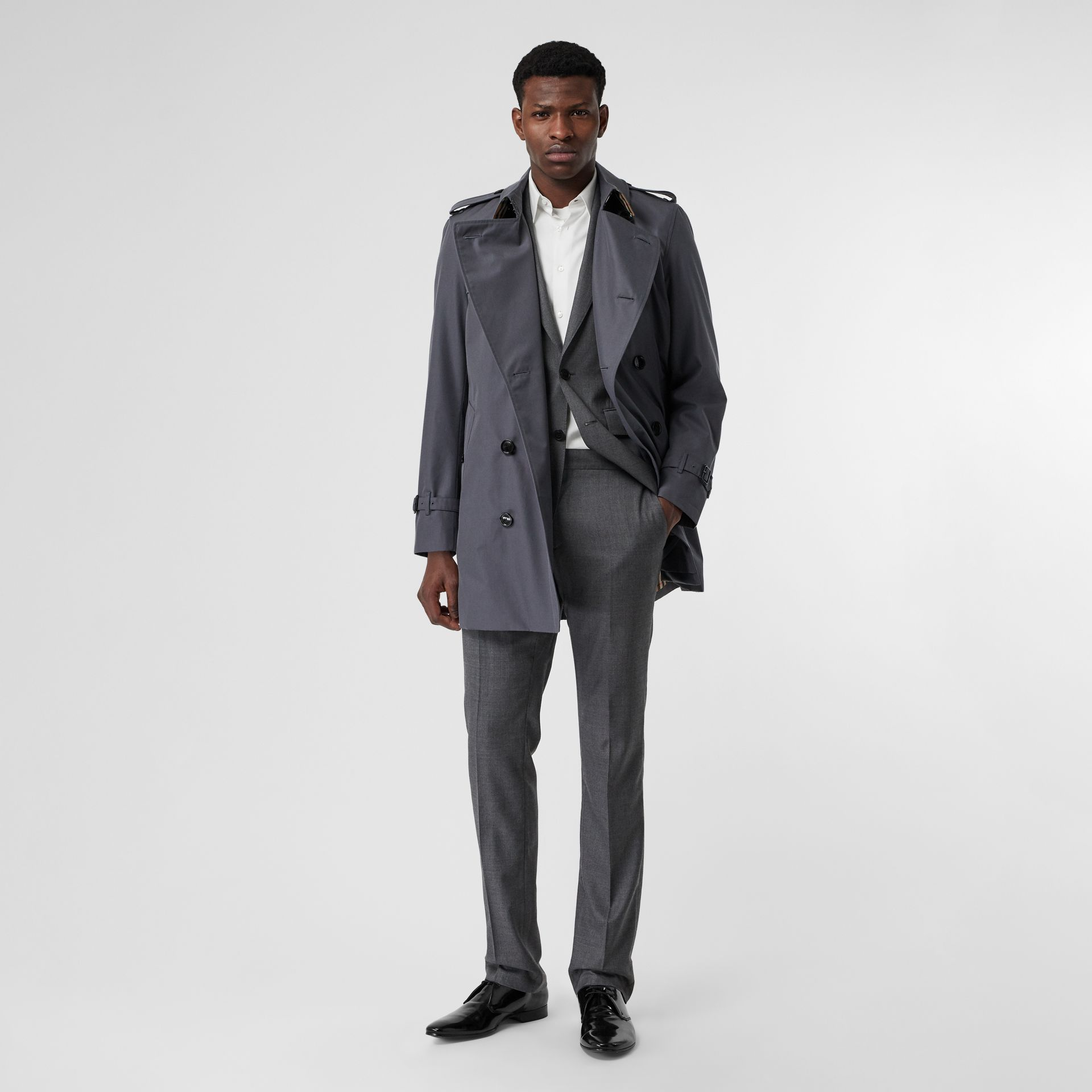 Short Chelsea Fit Trench Coat in Mid Grey - Men | Burberry Australia - gallery image 0