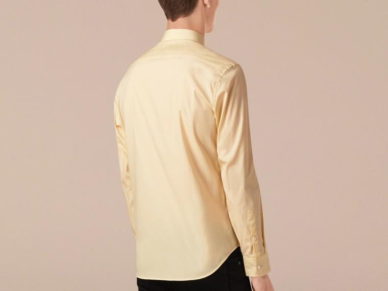Amarelo pálido Camisa de popeline de algodão stretch com detalhe xadrez Amarelo Pálido - cell image 1