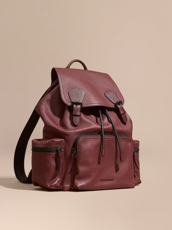 The Large Rucksack in Water-repellent Leather Burgundy Red